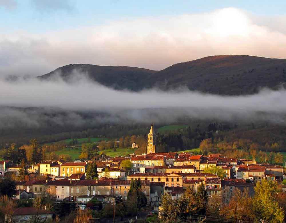 clocher-saint-amant-soult-black-mountain-trail